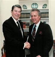 JNWithPresidentRonaldReagan,WhiteHouseOvalOffice,1986